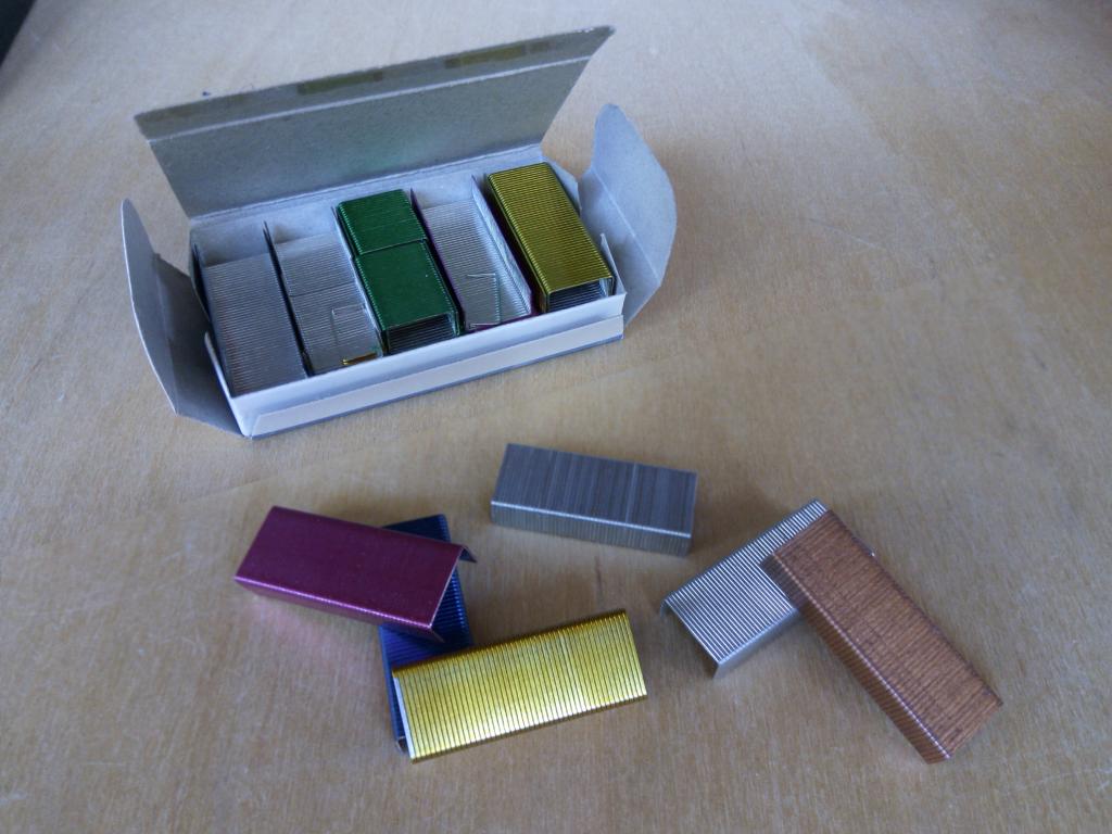 Скобы Erich Krause без покрытия, цветные, омедненные. Скобы KW TriO оцинкованные